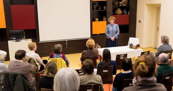 uj-uaz.hu - Szerelmi praktikák a múzeumban